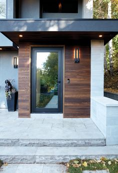 House Front Door, House With Porch, House Entrance, Porch Entrance Ideas, Glass Front Door, Porch Ideas, Door Design, Exterior Design, Porch Extension