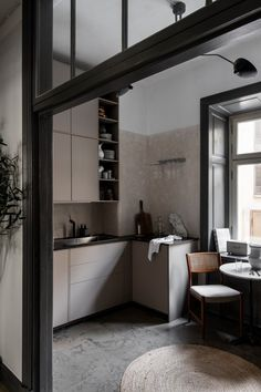 Majestic home with great style - via Coco Lapine Design blog