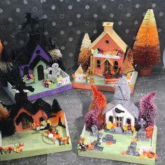 Putz Halloween Village( Small set of Glitter Houses Halloween House, Halloween Crafts, Halloween Decorations, Glitter Decorations, Halloween Canvas, Spooky Decor, Halloween Masks, Halloween Stuff, Holidays Halloween