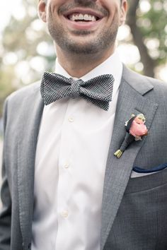 grey bow tie and pink boutonniere #groom #bowties