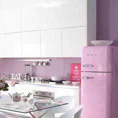 modern kitchen + smeg fridge in pink //