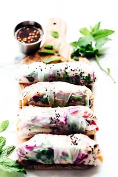 healthy recipes Summer spring rolls - 13 Colorful Spring Roll Recipes to Lighten and Brighten Meatless Monday Thai Spring Rolls, Vegetable Spring Rolls, Fresh Spring Rolls, Summer Rolls, Whole Food Recipes, Healthy Recipes, Healthy Foods, Healthy Dishes, Sandwich Recipes