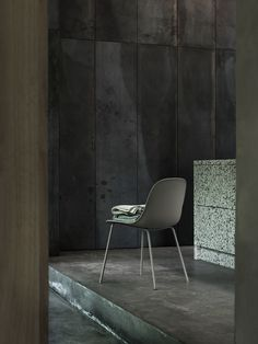 FIBER side chair with tube base by Iskos Berlin for Muuto #muuto #muutodesign #scandinaviandesign #iskosberlin #fibersidechair