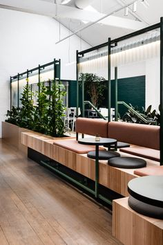 Liòn — Rome, Italy Designer Daniela Colli has weaved an intense tapestry of textures and colours into Rome's newest restaurant, Liòn Restaurant Interior Design, Office Interior Design, Office Interiors, Coffee Shop Design, Cafe Design, House Design, Commercial Design, Commercial Interiors, Banquet Seating