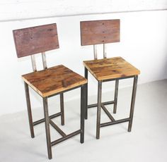Régénéré bois pin Bar tabourets avec Base en acier soudé main - lot de 2