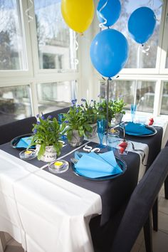 Midsommar / Studentdukning Table Settings, Party Ideas, Events, Seasons, Table Decorations, Diy, Inspiration, Students, Biblical Inspiration