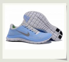 The collocation of color is great. Do you also like them? Nike shoes.