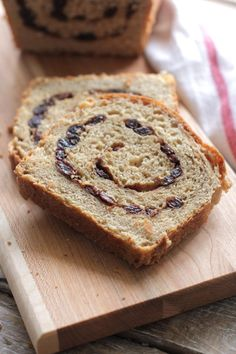 Healthy whole wheat bread. This bread is so delicious, perfect for sandwiches and toast. Plus, how to turn it into cinnamon raisin bread.