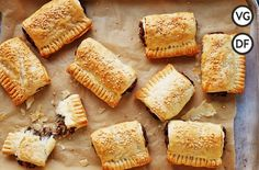 Looking for some festive vegan pastry recipes? Look no further than Jamie's crispy vegan sausage rolls: they're sure to go down well at the Christmas party! Vegan Christmas, Vegan Thanksgiving, Christmas Recipes, Pastry Recipes, Cooking Recipes, Vegan Vegetarian, Vegetarian Recipes, Vegan Food, Vegan Sausage Rolls