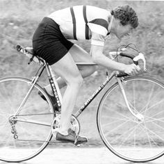 21 facts about women's cycling icon Beryl Burton