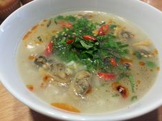 Viet Travel Magazine: The delicous dishes that are most favored in stormy days in Hanoi Hanoi, Cheeseburger Chowder, Dishes, Cooking, Ethnic Recipes, Vietnam Travel, Food, Magazine, Cuisine