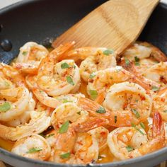 The Easiest Shrimp Scampi Recipe You'll Ever Find Plump shrimp sautéed in a rich & buttery, bright & lemony, herb & garlicky white wine scampi sauce, and tossed with linguine pasta. In just 30 minutes! Scampi Sauce, Scampi Recipe, Fish Recipes, Seafood Recipes, Cooking Recipes, Seafood Dishes, Pasta Dishes, Frozen Shrimp Recipes, Dinner Recipes