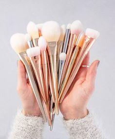 17 Brochas de makeup tan bonitas que no querrás usarlas nunca