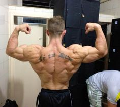 No idea who he is, but this back gets me hard!
