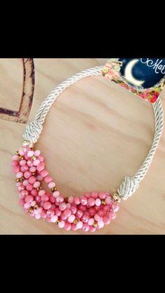 Collar color rosa