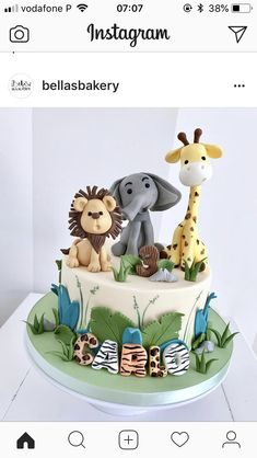Jungle Birthday Cakes, Jungle Theme Cakes, Animal Birthday Cakes, Lion Birthday, Baby Boy 1st Birthday Party, Safari Cakes, First Birthday Cakes, Jungle Safari Cake, Tortas Baby Shower Niña