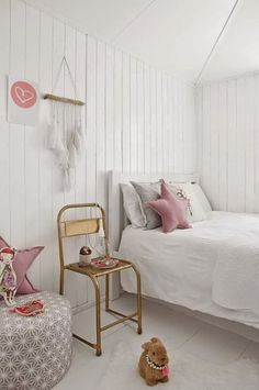 mommo design: 10 BRIGHT AND GIRLY ROOMS