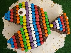 Cake decorated with smarties. Such a simple yet effective idea.