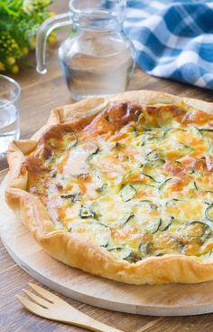 """""""Mi piace"""": 599, commenti: 12 - @55winston55 su Instagram: """"- Una torta salata gustosa che piacerà a tutta la famiglia😘. . ➡️INGREDIENTI⬅️ . 1 rotolo di pasta…"""" Ricotta Pasta, Creative Food, Gnocchi, Vegetable Pizza, Coco, Quiche, Zucchini, Muffin, Appetizers"""