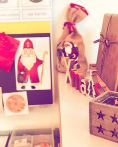 """Lehrerin ✨ auf Instagram: """"Weihnachtswerkstatt - zurzeit sehr beliebt bei meiner Klasse ✨⭐️ ✨ Einiges davon habe ich selbst erstellt und könnt ihr daher kostenlos auf…"""" Gift Wrapping, School, Christmas, Gifts, Instagram, Popular, Teachers, First Grade, Gift Wrapping Paper"""