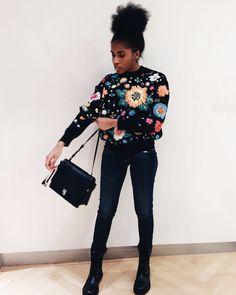 Der Bonanza Sweater aus der aktuellen Victoria Beckham A/W Kollektion 2016 ist der absolute Hingucker für jede Fashionista.