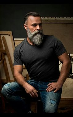 60 Grey Beard Stiler for menn - Distinguished Facial Hair Ideas . Beards And Mustaches, Grey Beards, Moustaches, Long Beards, Beard Styles For Men, Hair And Beard Styles, Beards And Hair, Hair Styles, Barba Sexy