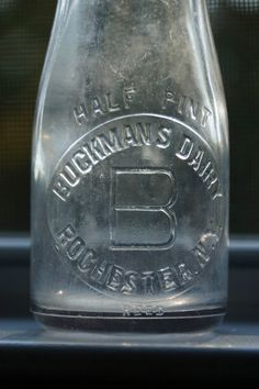 Vintage Buckmans Dairy Half Pint Glass Milk Bottle Rochester NY