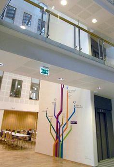La signalétique d'un immeuble gouvernemental en Norvège, par Ralston & Bau