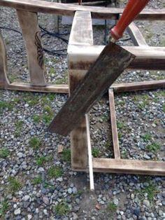 Ein toller massiver Holzstuhl, robust und schlicht stellt er sich im Antik-Finish dar. Er bietet...,Stuhl, Vintage - Fundstück, Shabby,Holz massiv, Antik-Finish in Schleswig-Holstein - Kastorf