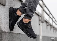 "Nike Sock Dart KJCRD ""Triple Black"""