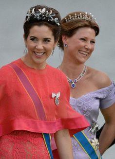 Mary de Dinamarca y Marta-Luisa de Noruega. Boda de Carlos Felipe de Suecia