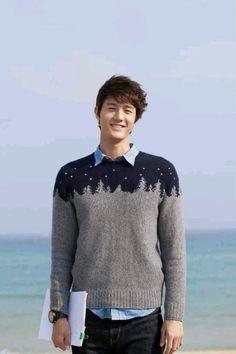 flower boy ramen shop . love this sweater!