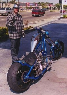 El Jefe of West Coast Choppers,nMaster of Metal, Custom Craftsman: bike builder, gunsmith, knife maker Triumph Motorcycles, Jesse James Motorcycles, Motorcycles In India, West Coast Choppers, Chopper Motorcycle, Bobber Chopper, Bobber Bikes, Road Glide, Road King