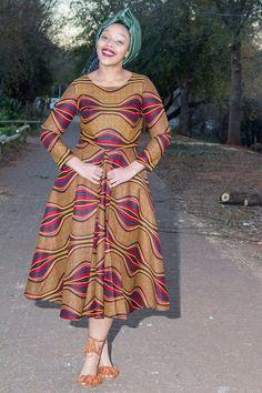 Africain brun imprimé robe Ankara vêtements par EssieAfricanPrint