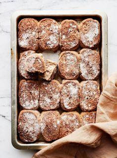 Pehmosämpylät   Leivonta, Suolainen leivonta   Soppa365 Bread, Food, Projects, Log Projects, Blue Prints, Brot, Essen, Baking, Meals