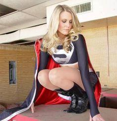 Dark Supergirl cosplay.