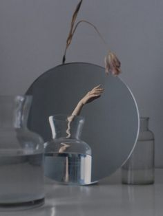 Ziqian Liu Creates Fragmented Images of the Self in her Ethereal Portraiture - Feature Shoot Mirror Photography, Art Photography Portrait, Object Photography, Reflection Photography, Experimental Photography, Conceptual Photography, Still Life Photography, Photography Poses, Reflection Art