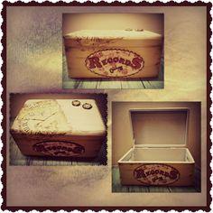 Una caja para guardar recuerdos, decorada con transferencias y scrapbook | Un desig, una mica de desordre i una bici