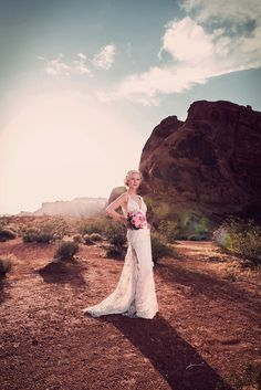 Modern and unique wedding locations. Valley of Fire is the perfect wedding location for couples that love the outdoors.