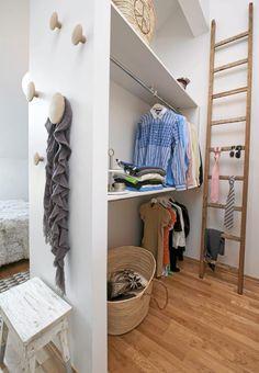 Wardrobe garderobe on pinterest for Garderobe dots