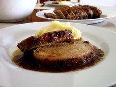 Lomo de cerdo al horno en salsa de vino y ciruelas pasas Carne Asada, Christmas Appetizers, My Recipes, Slow Cooker, Pork, Beef, Color Caramelo, Diverticulitis, Pastel