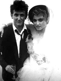 Madonna & Sean Penn wedding photo