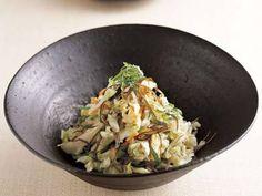 キャベツとにんじんの切り漬け | せん切り野菜と切り昆布を浅漬けにするので、「切り漬け」。漬ける時間は短くても、昆布のうまみで美味しい仕上がり。