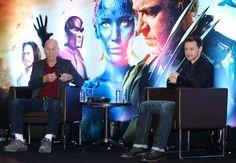 """Atores de 'X-Men: Dias de um Futuro Esquecido"""" vão a coletiva em SP Patrick Stewart e Jame McAvoy estiveram no hotel Grand Hyatt, em São Paulo, na tarde de quarta (14)"""