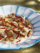 Wittekool met spek, gedroogde tomaat en aardappelpuree