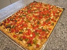 Coca de Verduras (Coca de Trampó) - YouTube No Salt Recipes, Baby Food Recipes, Pasta Recipes, Vegan Recipes, Cooking Recipes, Vegetable Pizza, Food Inspiration, Tapas, Food To Make
