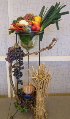 Thanksgiving Day for crop and labor Fall Church Decorations, Thanksgiving Decorations, Floral Centerpieces, Floral Arrangements, Church Interior Design, Old Candles, Church Flowers, Fall Table, Banners