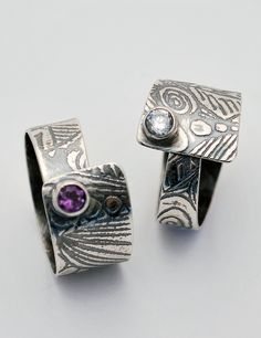 These etched silver stone set rings are formed like an overlapping coil so that they can be adjusted to fit. Very comfortable to wear. The silver is Metal Clay Rings, Metal Clay Jewelry, Mom Jewelry, Jewelry Design, Jewelry Making, Jewelry Rings, Jewlery, Silver Work, Silver Metal