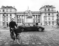 Out of the gray...his socks were green  #Paris #parisamour #parisjetaimr #architecture #igdaily #igarchitecture #art #photography #photooftheday #igphotoworld #igphotography #igphotomagic #storytelling #story #beauty #bycicle #paradise by maktheduck