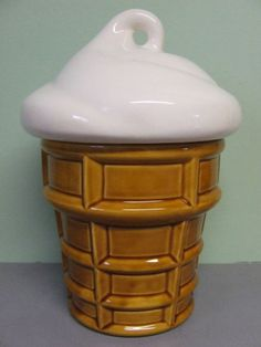 Vintage Cookie Jar.....want
